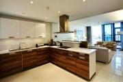 Lawhill Luxury 2C