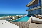 Luxus House