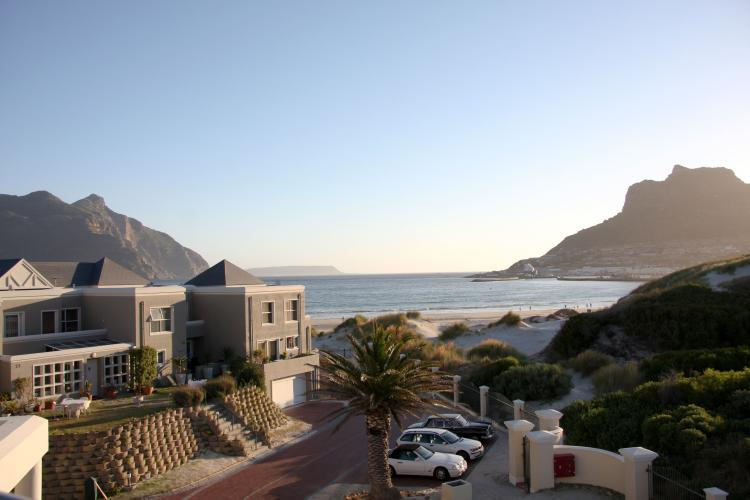Hout Bay Beach House - cometocapetown.com