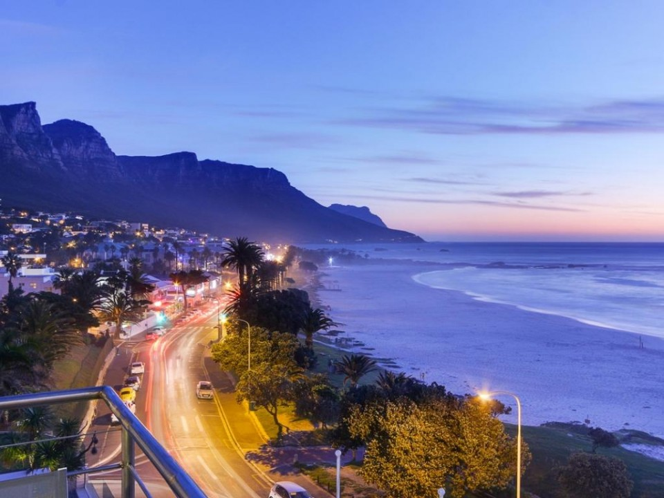 Seasonsfind The Sunset Camps Bay Cometocapetown Com