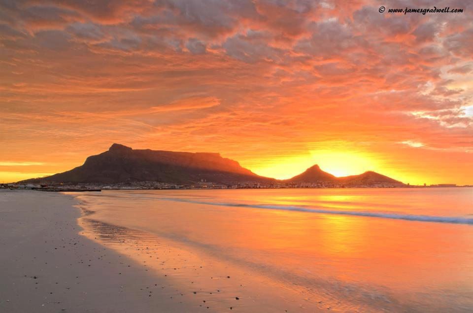 Sunset over Table Mountain from Blouberg - credit James Gradwell Photography & Tours