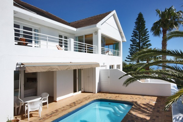 Plan a Winter Weekend at one of these Camps Bay Villas