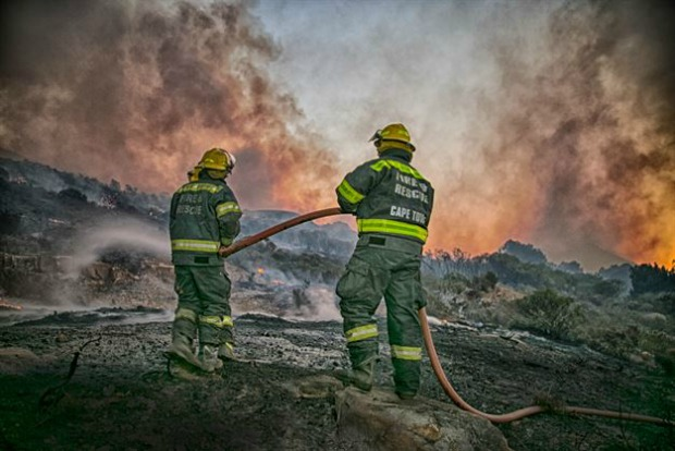 Cape Town Fire Update – Communities Work Tirelessly to Help