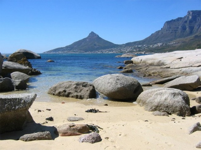 7 Amazing Cape Town Beaches to Visit This Summer