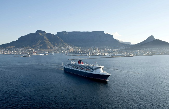 Queen Mary 2 Comes to Cape Town