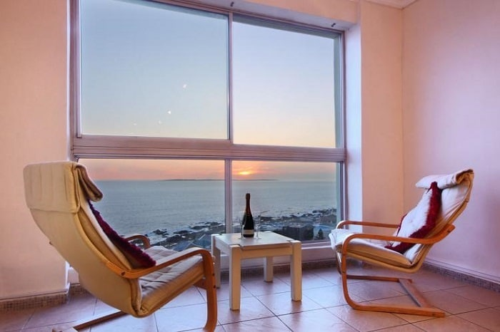 10 Budget-Friendly Places To Stay in Cape Town - 1002 Blouberg Heights