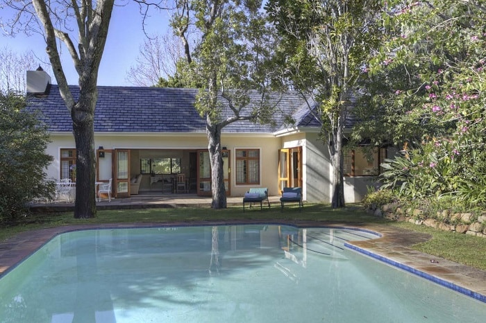 10 Budget-Friendly Places To Stay in Cape Town - Bellevue Cottage