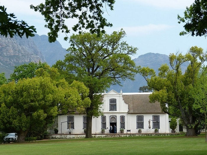 These 8 Beautiful Small Towns Near Cape Town Will Make You Forget Home - Stellenbosch
