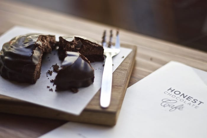 10 Romantic Experiences in Green Point - Honest Chocolate Cafe