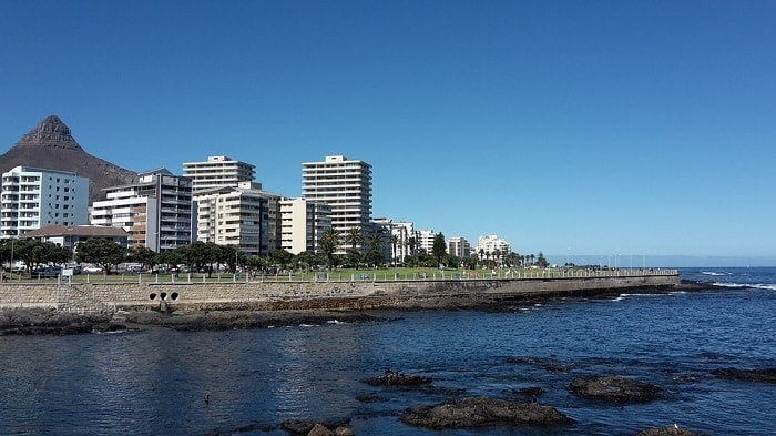 10 Romantic Experiences in Green Point - Sea Point Promenade