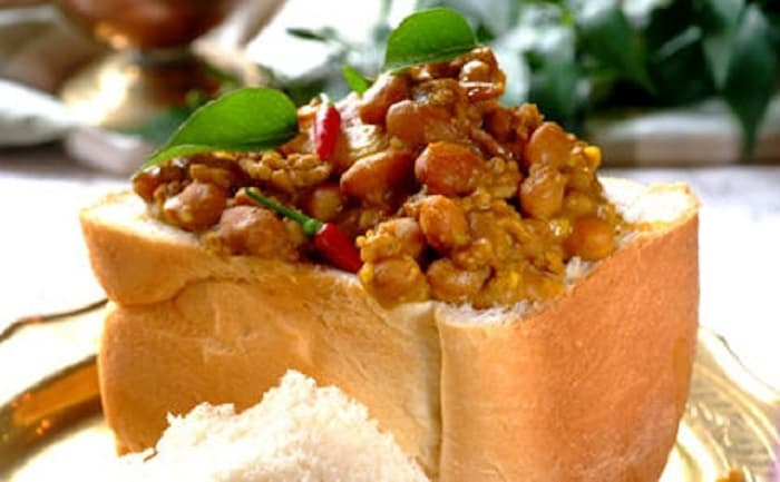 Cape Town Street Food - 8 Exotic Dishes You'll Find On The Streets - Bunny Chow