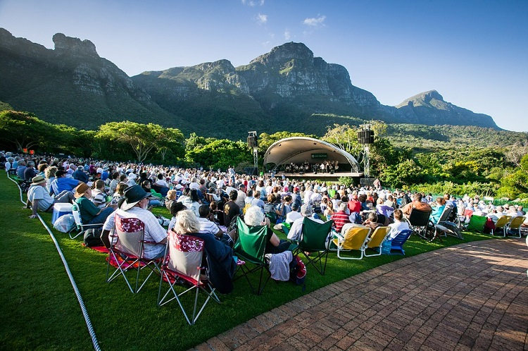 10 Great Ideas for Your Cape Town Christmas Party - Christmas Carols at Kirstenbosch