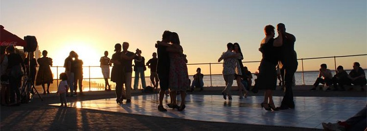 8 Best Things to do in Cape Town This Weekend — 10 -12 November 2017 - Sunset Tango on Sea Point Promenade