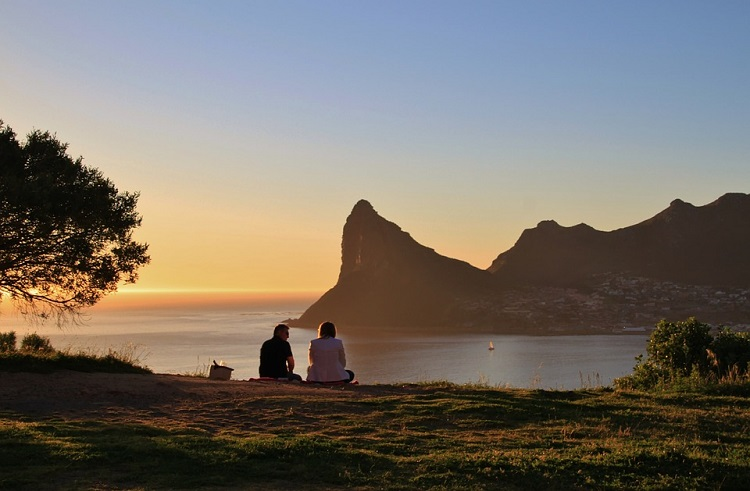 8 Romantic Things to do in Cape Town on Valentine's Day - Scenic Sundowners