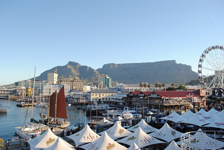 8 Romantic Things to do in Cape Town on Valentine's Day - V&A Waterfront