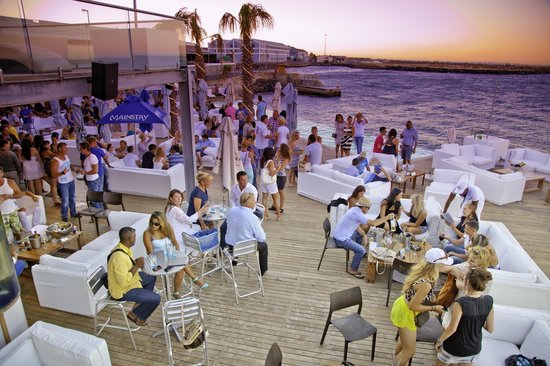 waterfront restaurants and bars in Cape Town